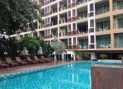 August Suites - Pattaya - Pool