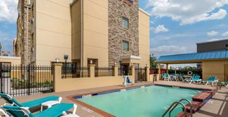 Comfort Suites Baytown - Baytown - Pool