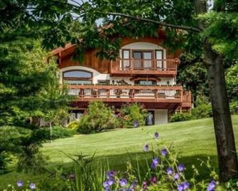 Fox Den Bed and Breakfast - Leavenworth - Edificio