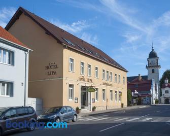 Hotel Lipa - Bojnice - Gebäude