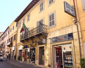 Albergo Della Posta - Bracciano - Building