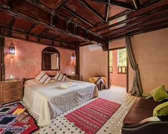 Riad Oussagou - Armd - Camera da letto