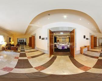 Fiesta Inn Cuernavaca - Cuernavaca - Reception
