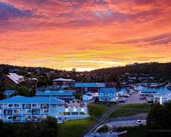 Hotel Plante - Gaspé - Buiten zicht