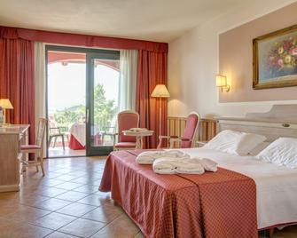Hotel Santamaria - La Morra - Slaapkamer