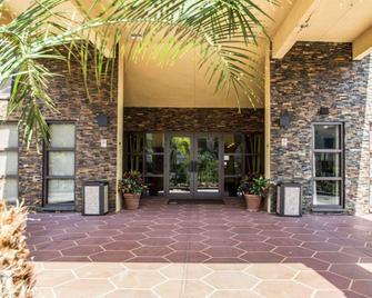 Comfort Inn & Suites Lantana - West Palm Beach South - Lantana - Budova