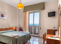 Continental - Fano - Bedroom