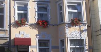 Hotel Am Roonplatz - בון - בניין