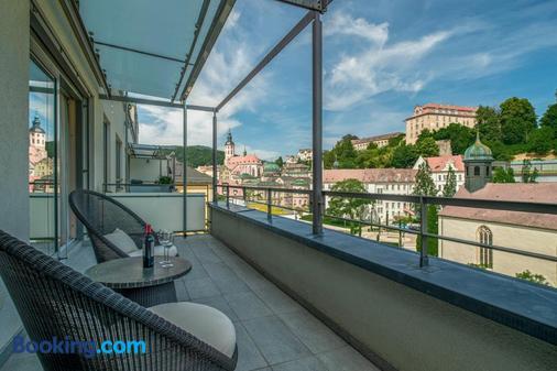 奧雷利阿水景溫泉套房酒店 - 巴登巴登 - 巴登-巴登 - 陽台