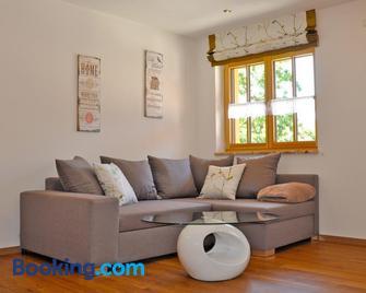 Gästehaus Walser - Gauting - Living room