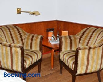 Philosophenvilla - Bad Bruckenau - Living room
