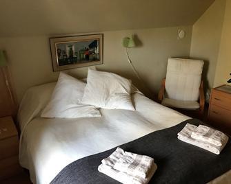 Mattisgården Bed & Breakfast - Klippan - Bedroom