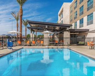 Holiday Inn Express & Suites Lake Havasu - London Bridge - Lake Havasu City - Piscina