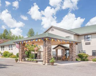 Days Inn by Wyndham Iron Mountain - Iron Mountain - Gebouw