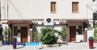 B&B Gianluis - Fasano - Building