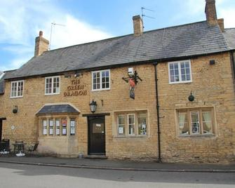 The Green Dragon - Kettering - Building