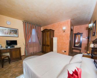 Hotel Al Ritrovo - Piazza Armerina - Bedroom