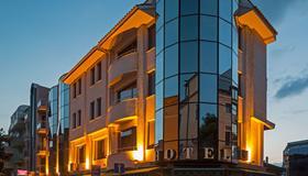 Dafi - Plovdiv - Building