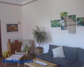 Ferienwohnung Pusteblume - Fürstenwalde - Living room