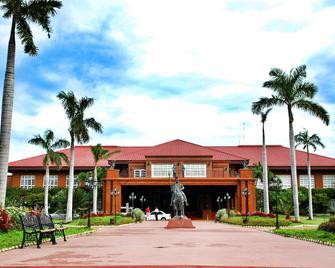 Fort Ilocandia Resort Hotel - Laoag - Building