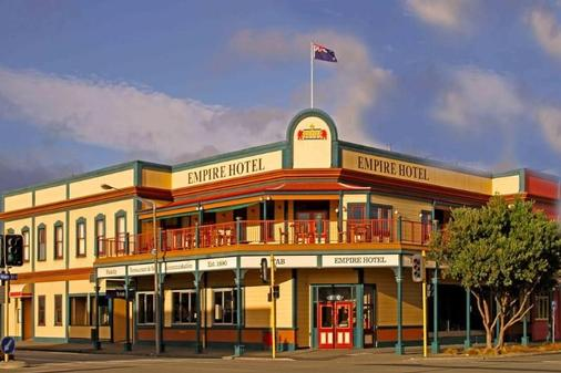 The Cobb Hotel - Palmerston North - Building