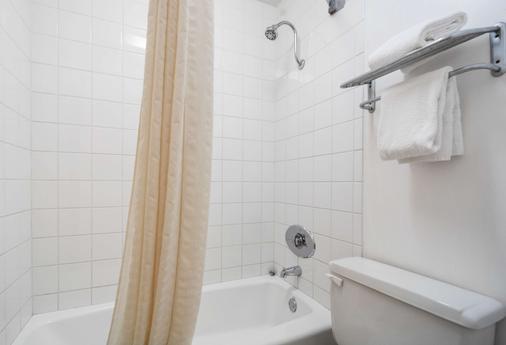 Motel 6 Alsip, IL - Alsip - Bathroom
