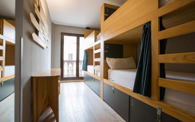 Yeah Barcelona Hostel - Barcelona - Makuuhuone