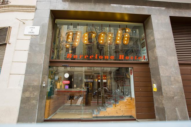 Yeah Barcelona Hostel - Barcelona - Rakennus