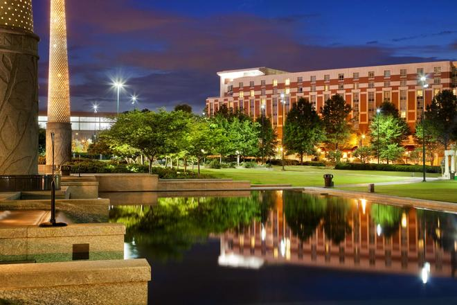Embassy Suites by Hilton Atlanta Centennial Olympic Park - Atlanta - Edificio