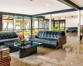 Tanoa Waterfront Hotel - Lautoka - Lobby