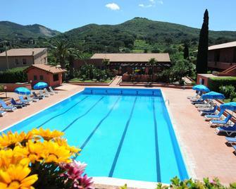 Hotel Residence Villa San Giovanni - Portoferraio - Piscina