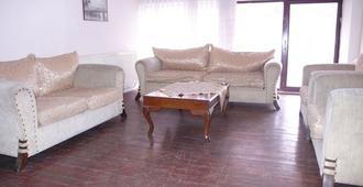 Trabzon Star Pansiyon - Trabzon - Living room
