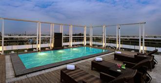 Quality Inn Gurgaon - Gurugram - Piscina