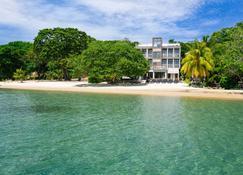 Xbalanque - West Bay - Playa