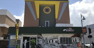 San Jorge Hotel & Hostel - San Juan - Building