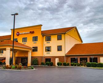 Best Western Plus Strawberry Inn & Suites - Knoxville - Gebouw