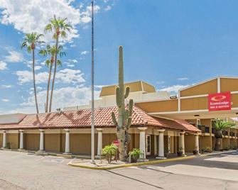 Econo Lodge Inn and Suites Mesa - Mesa - Gebäude