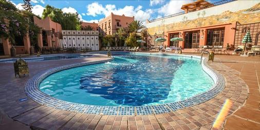 哈哪呢俱樂部酒店 - 瓦爾扎扎特 - 游泳池