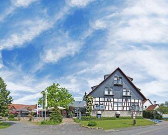 Hotel An Der Wasserburg - Wellness- Und Seminarhotel - Вольфсбург - Building