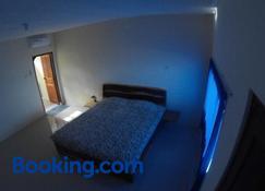East Lombok Dive Hotel - Hostel - Labuhan Lombok - Bedroom