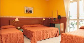 Hotel Iside - פומפיי - חדר שינה