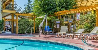 Comfort Inn Santa Cruz - Santa Cruz - Svømmebasseng