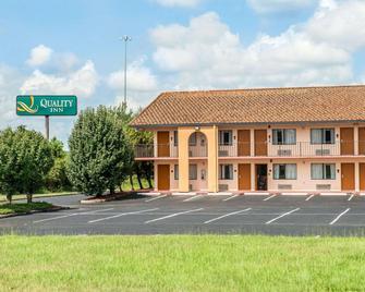 Quality Inn Marianna - Marianna - Building