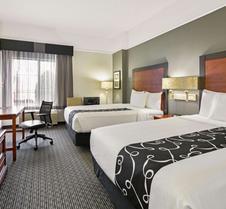 La Quinta Inn & Suites By Wyndham Dfw Airport South / Irving