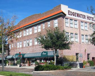 Edgewater Hotel - Winter Garden - Building