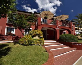 Nicoletta Hotel - Santa Maria Navarrese - Gebouw