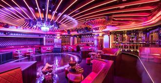 Hotel Byblos Saint-Tropez - Saint-Tropez - Bar