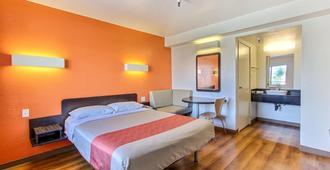 Motel 6 Watsonville Monterey Area - Watsonville - Bedroom