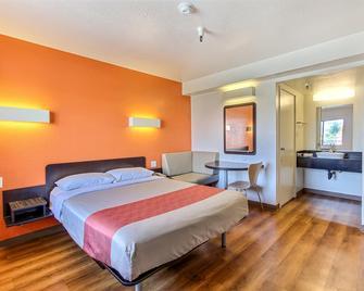 Motel 6 Watsonville Monterey Area - Watsonville - Schlafzimmer