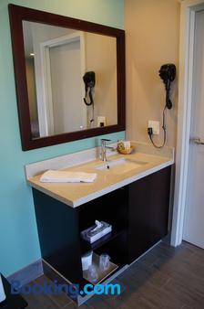 Beach Inn Motel - Long Beach - Bathroom